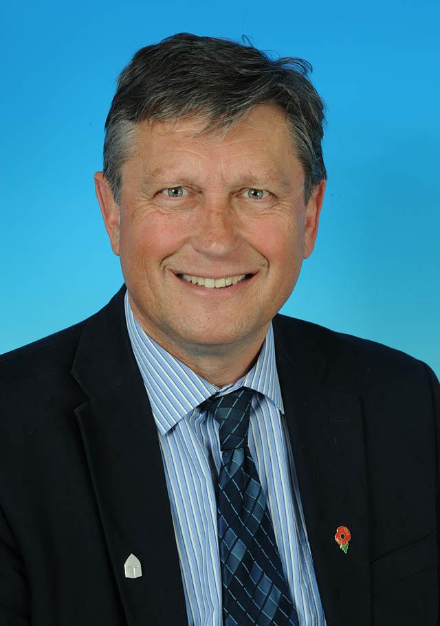 Councillor Robert Bird - photo courtesy of Posers Photographic