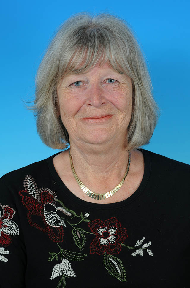 Councillor Elaine MacTiernan - photo courtesy of Posers Photographic