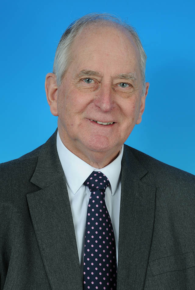 Councillor Robert Vines - photo courtesy of Posers Photographic