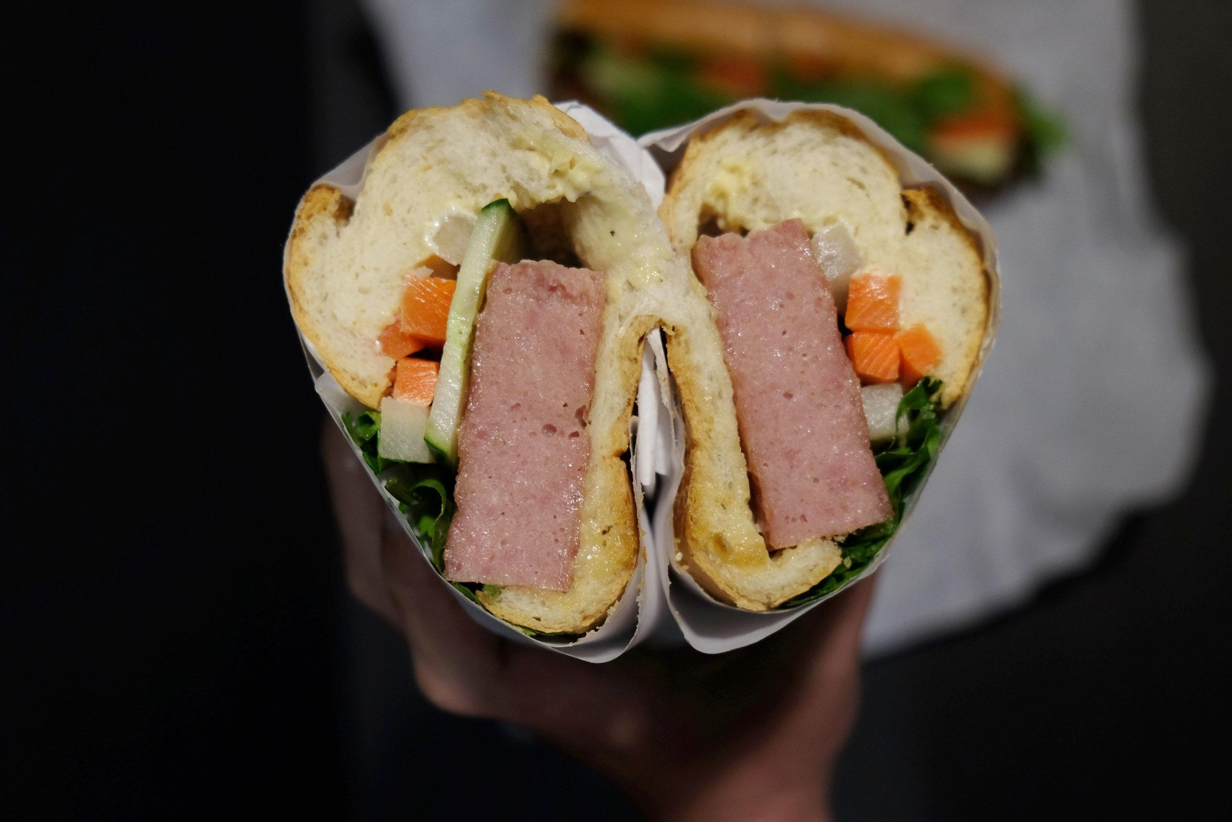 sandwich hag.jpg