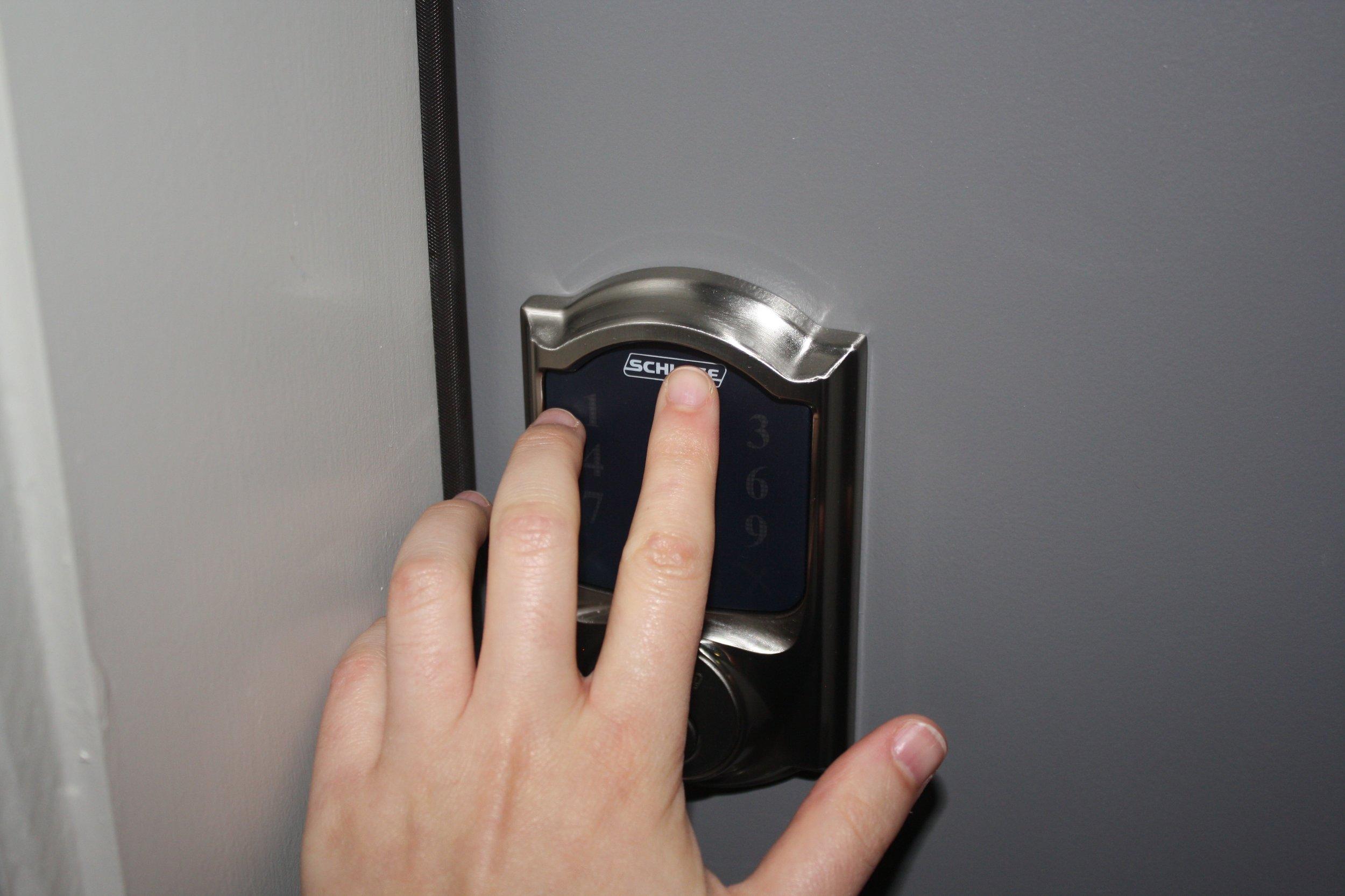 Lock1.jpg