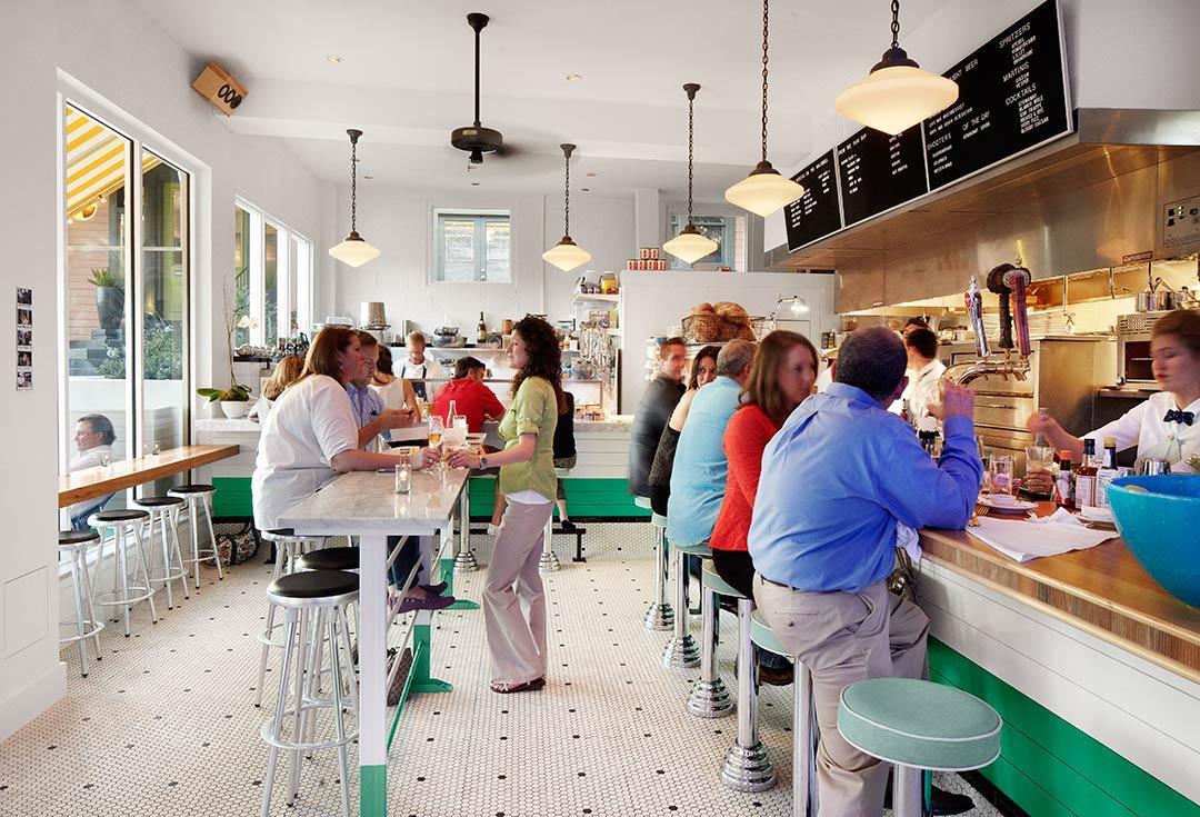 clarks-oyster-bar-austin-texas-bar-1.jpg