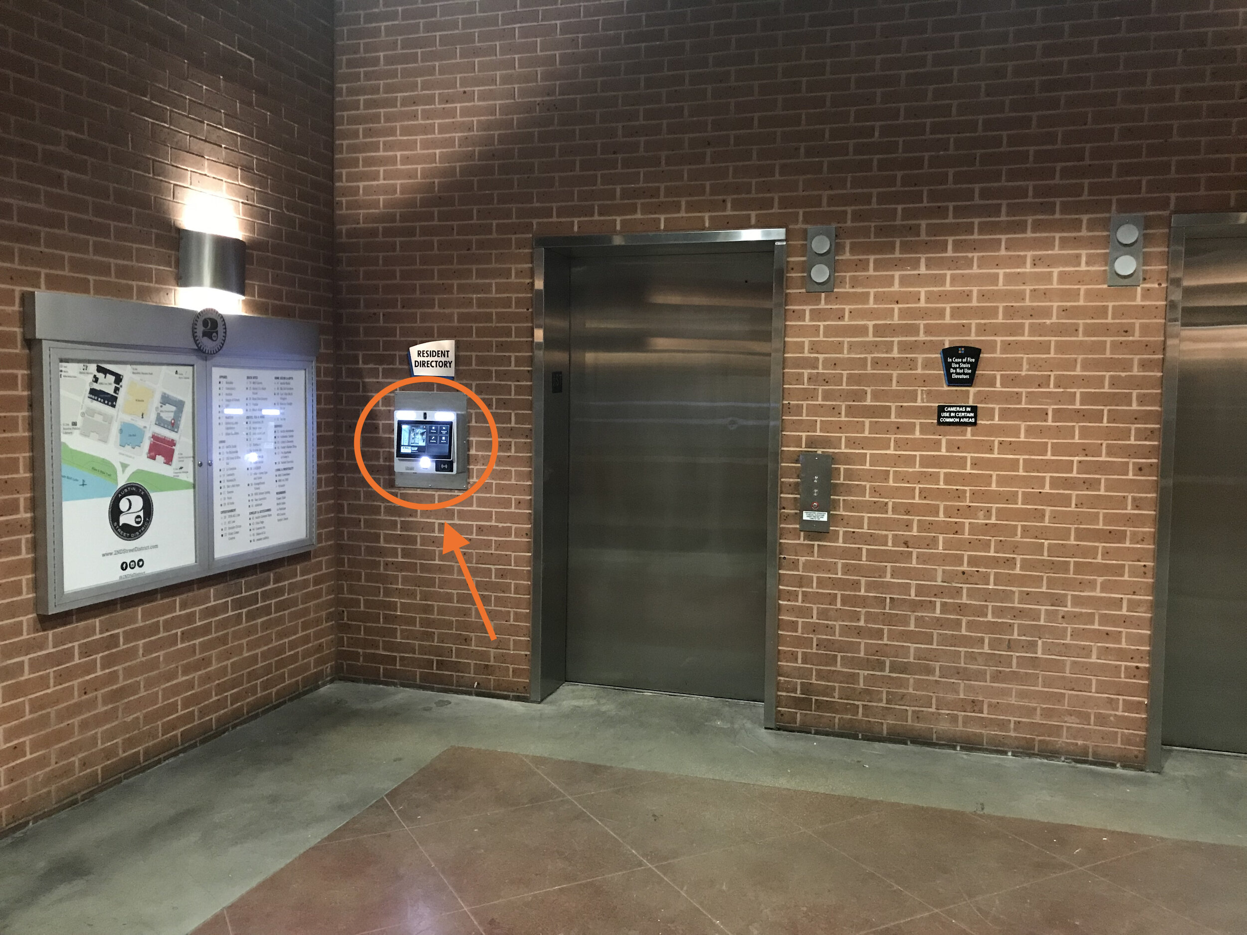 GLS Elevator Bank 2nd St w: arrow.jpg