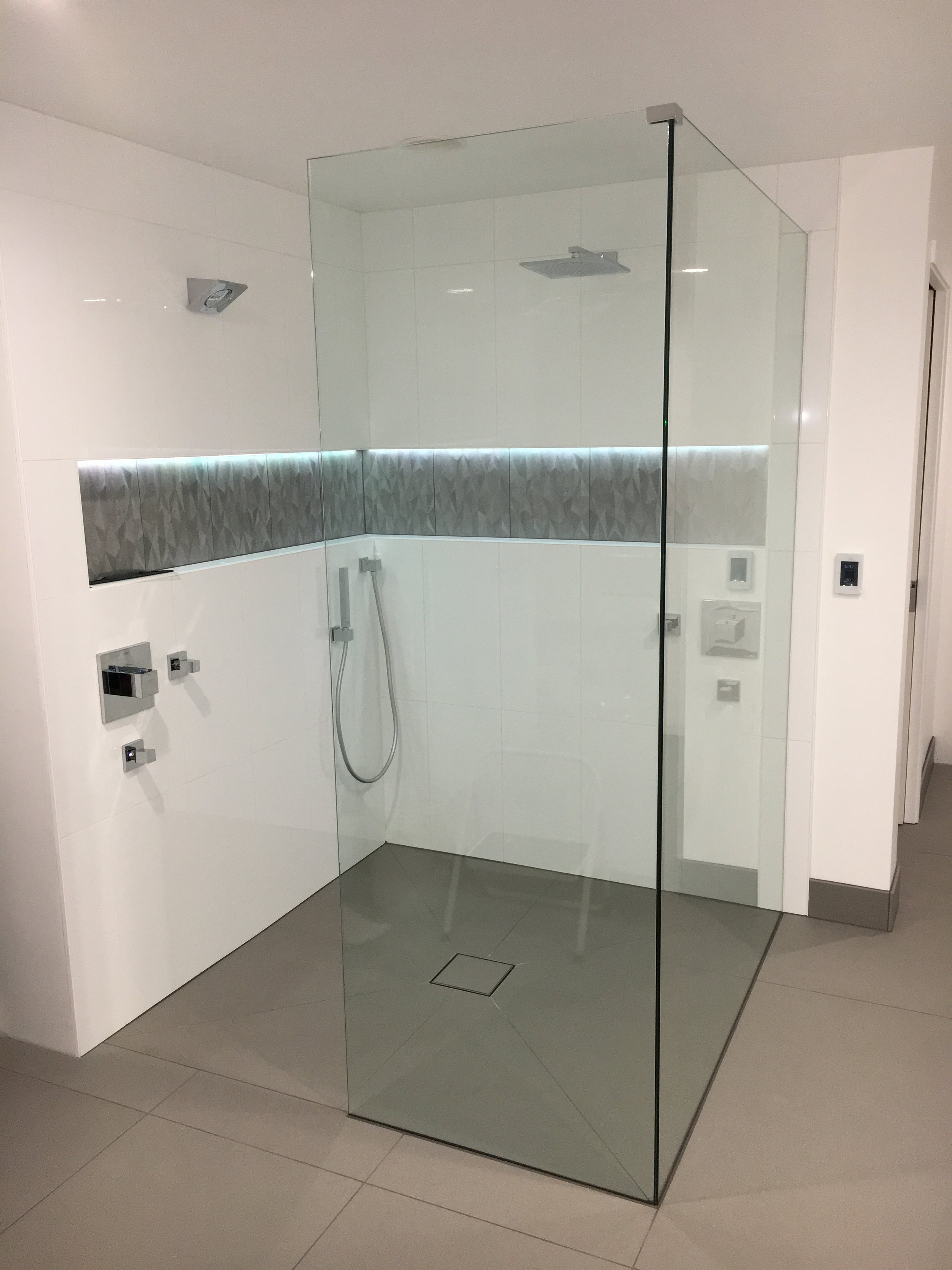 Gallery Dt Glass Inc