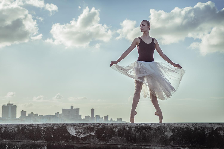 Ballerina on The Malecon, La Habana