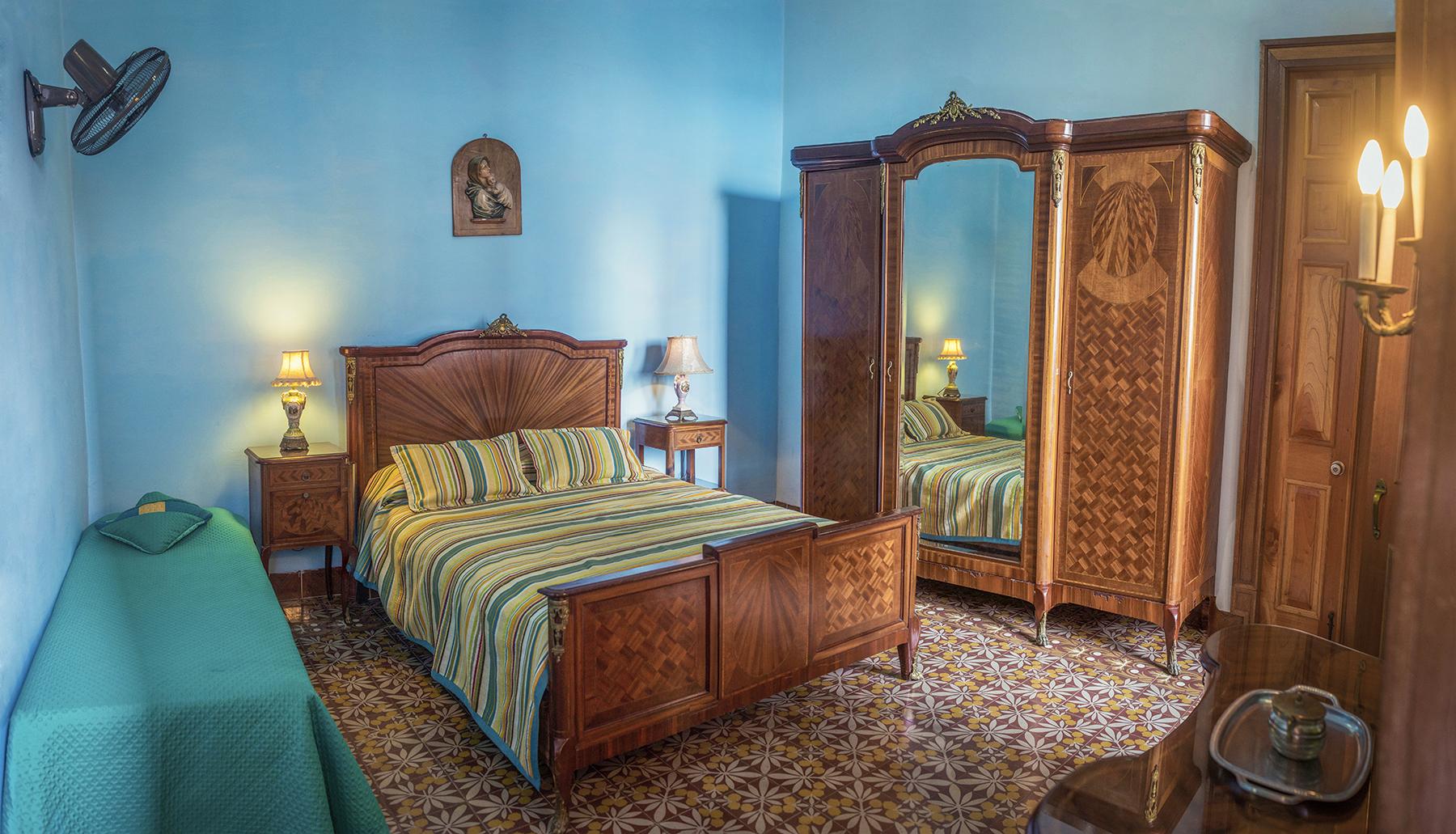 alejopik_Comercial_Interiors_Prado_Colonial_2.jpg