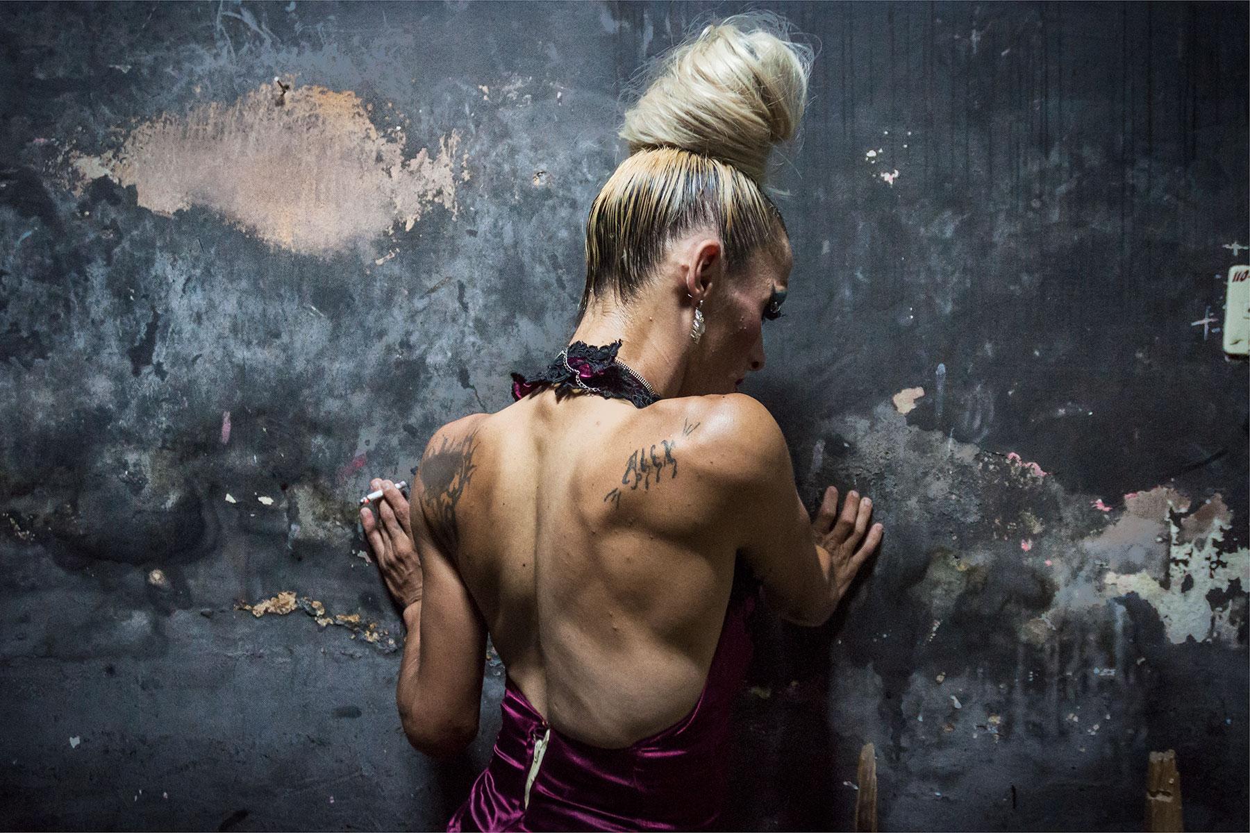 Alejandro-Perez-apik-Silence-of-a-body-Shakira.jpg