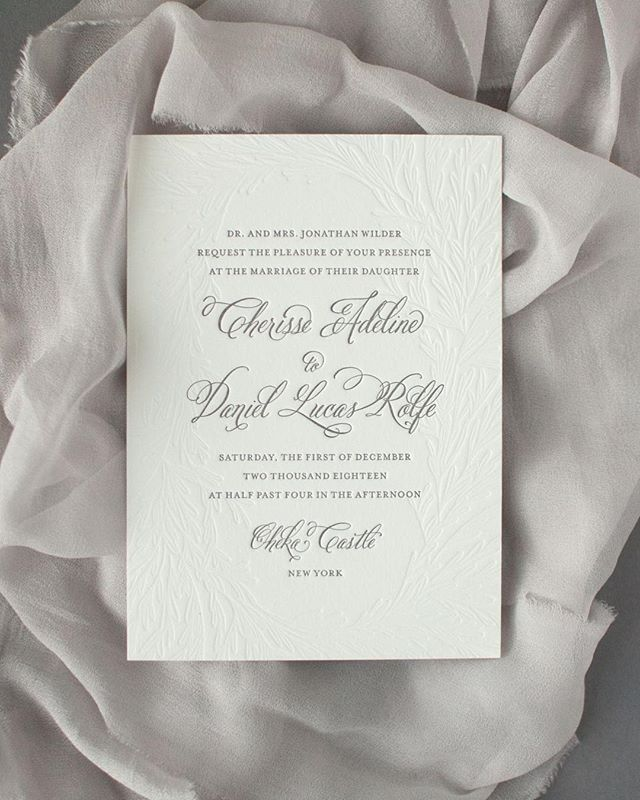 Sneak peek of the Adeline suite // #semicustom #weddinginvitations