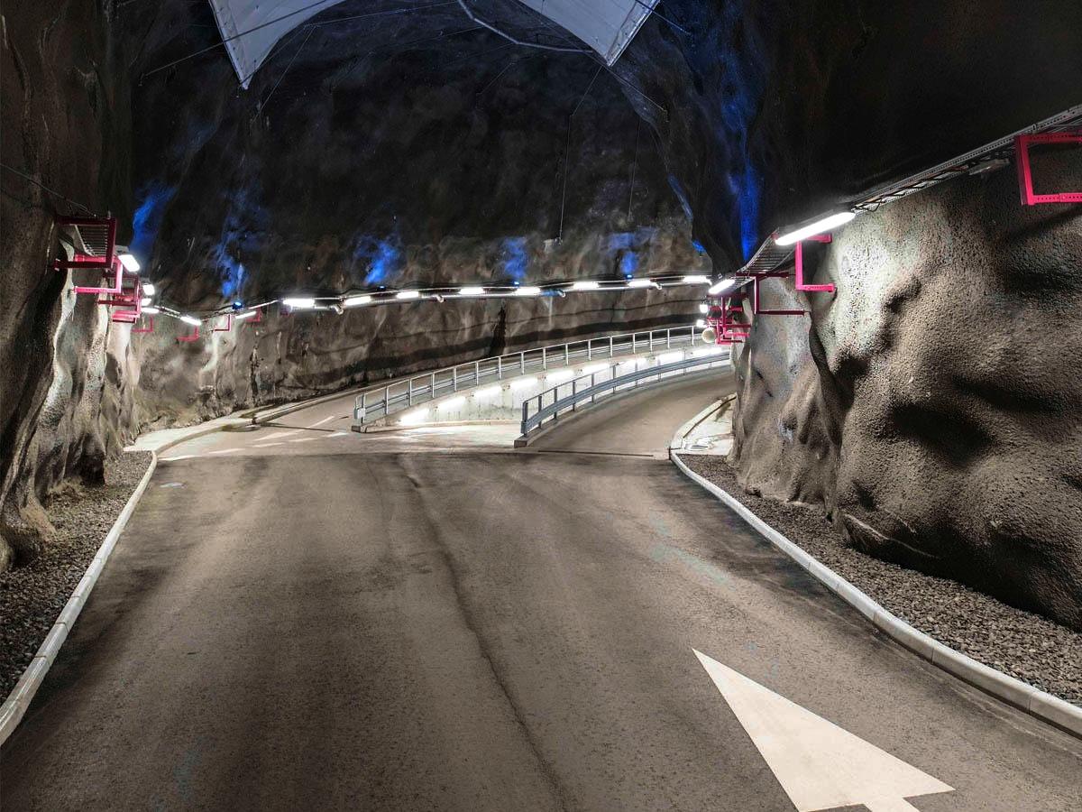 Bergrumsgaraget - Tillsammans med Parkando erbjuder vi boende på Liljeholmskajen att hyra VW eGolfen Julia via vår app.Sjöviksvägen 148, 117 57 Stockholm