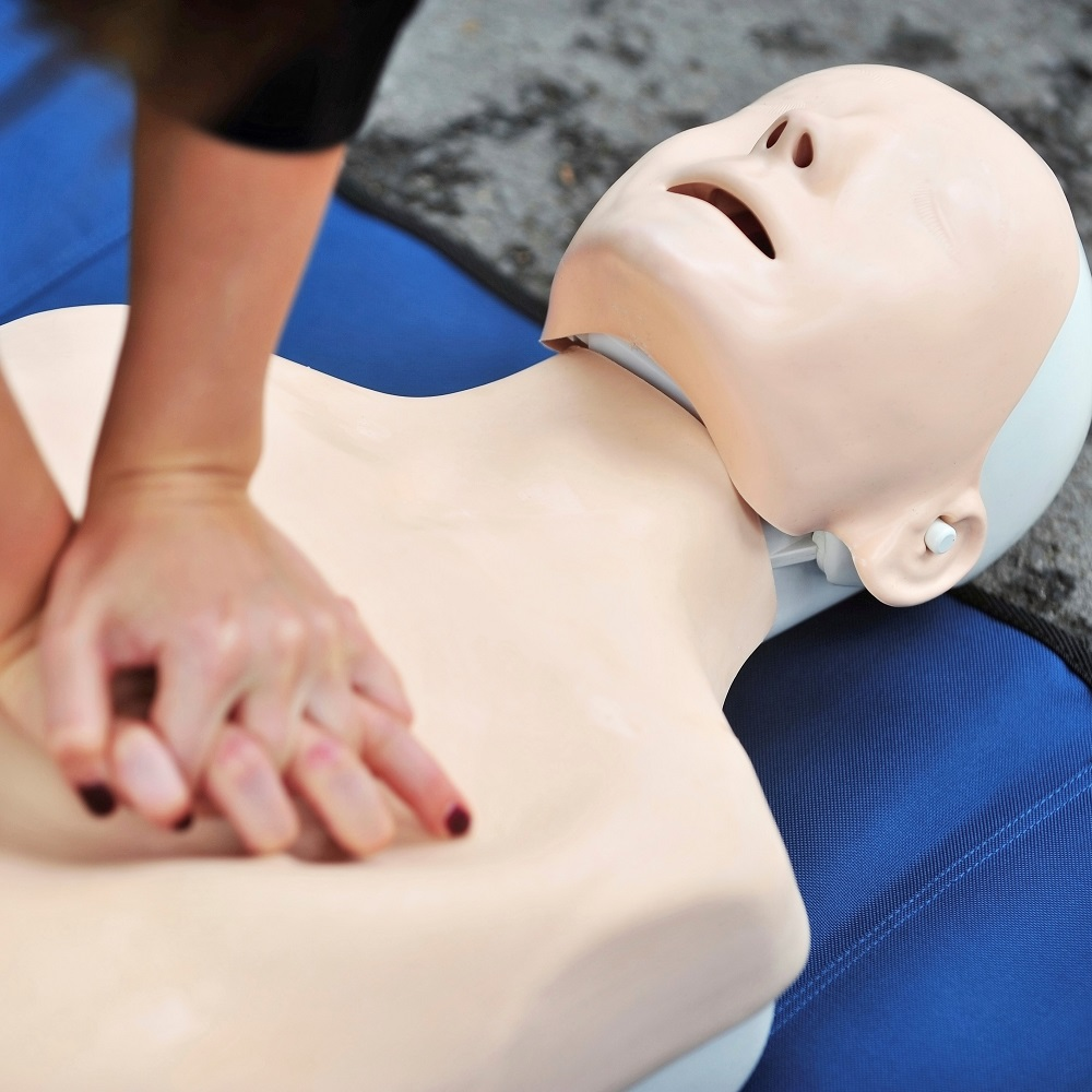 Family & Friends CPR includes AED training