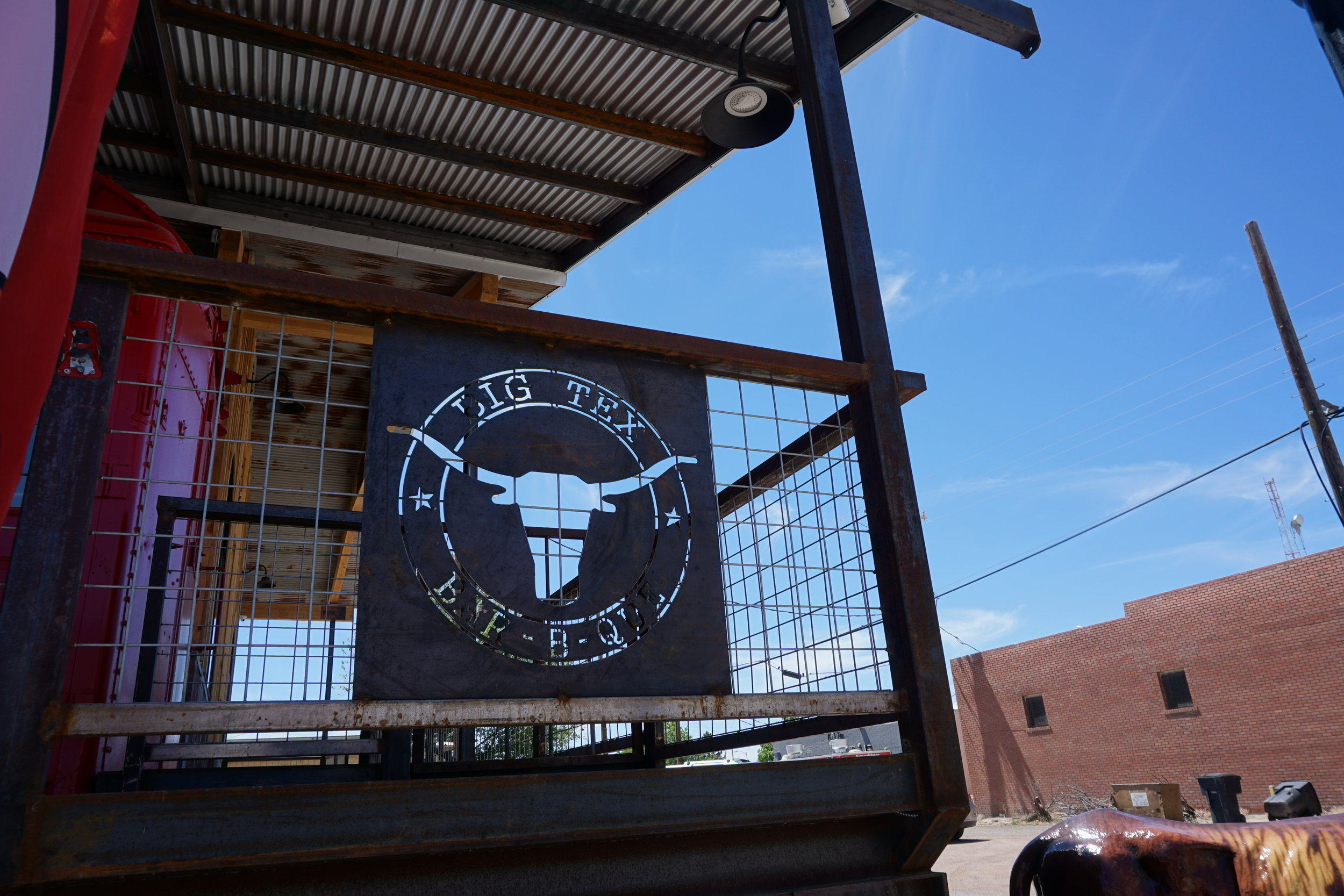 Great barbeque place in Wilcox, AZ.  It's down by the railroad tracks, as if you couldn't guess.    Copper Horse and Golden Rule vineyards have their tasting room about a block away.