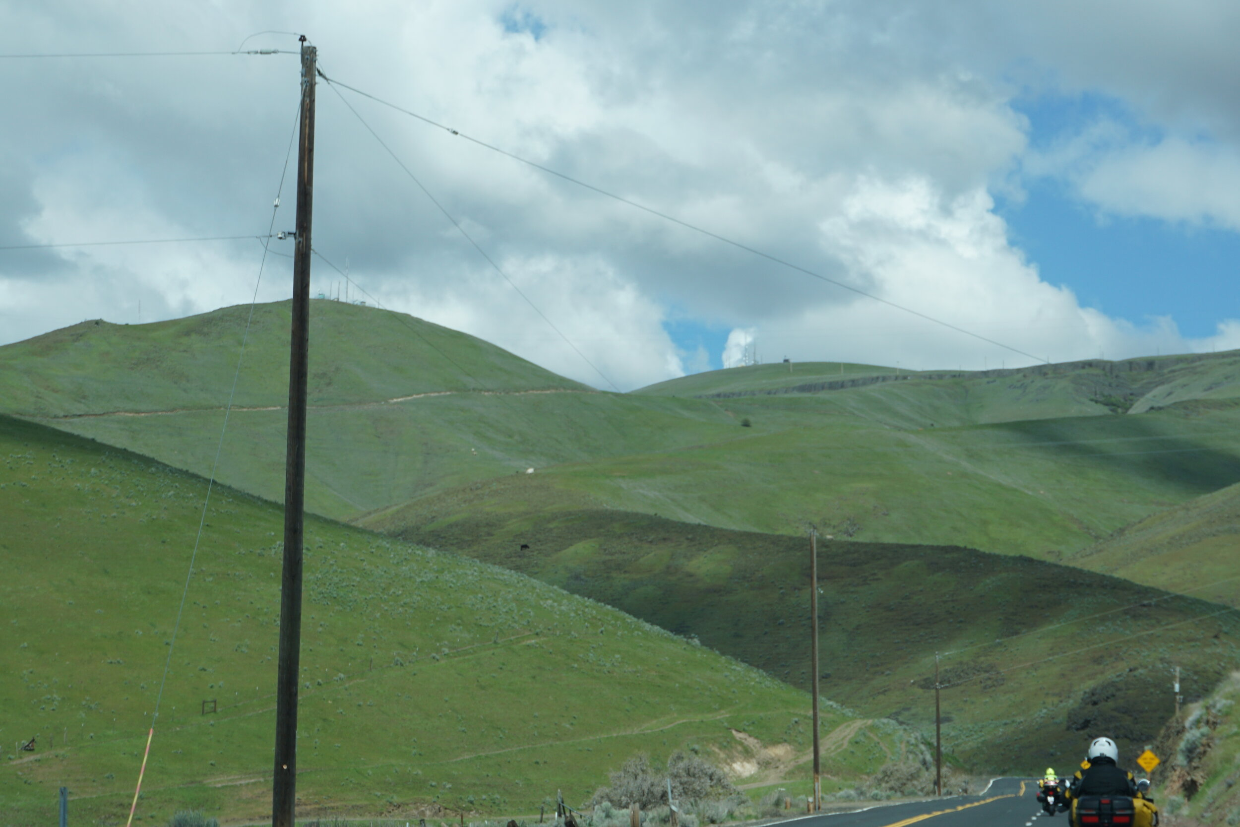 Entering Washington you get to the rolling hills of the Palouse