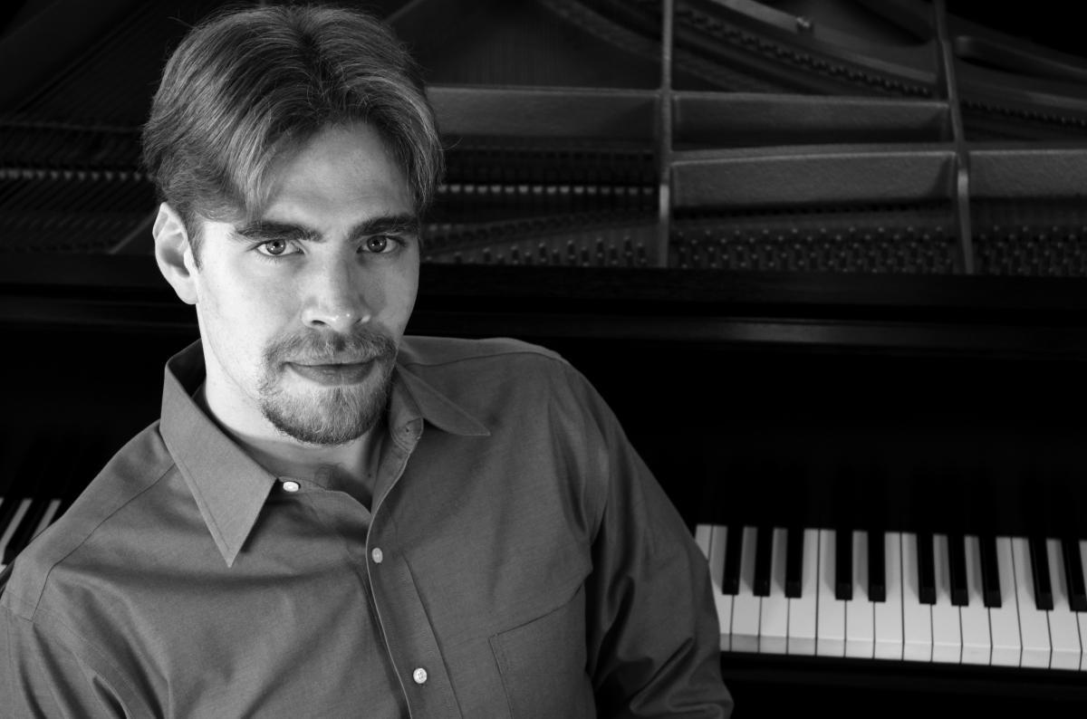 William McNally, pianist