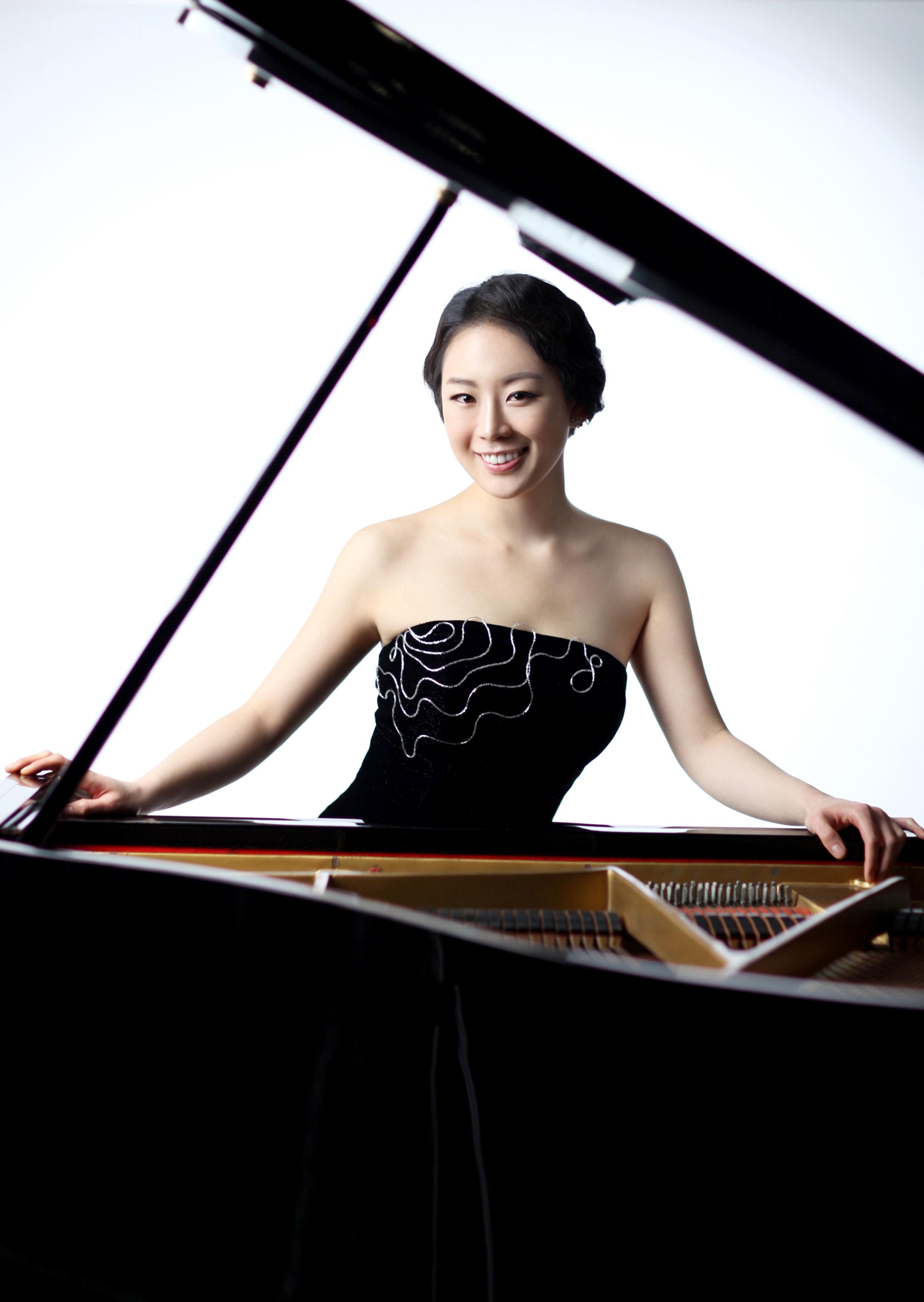 Yoonie Han, pianist