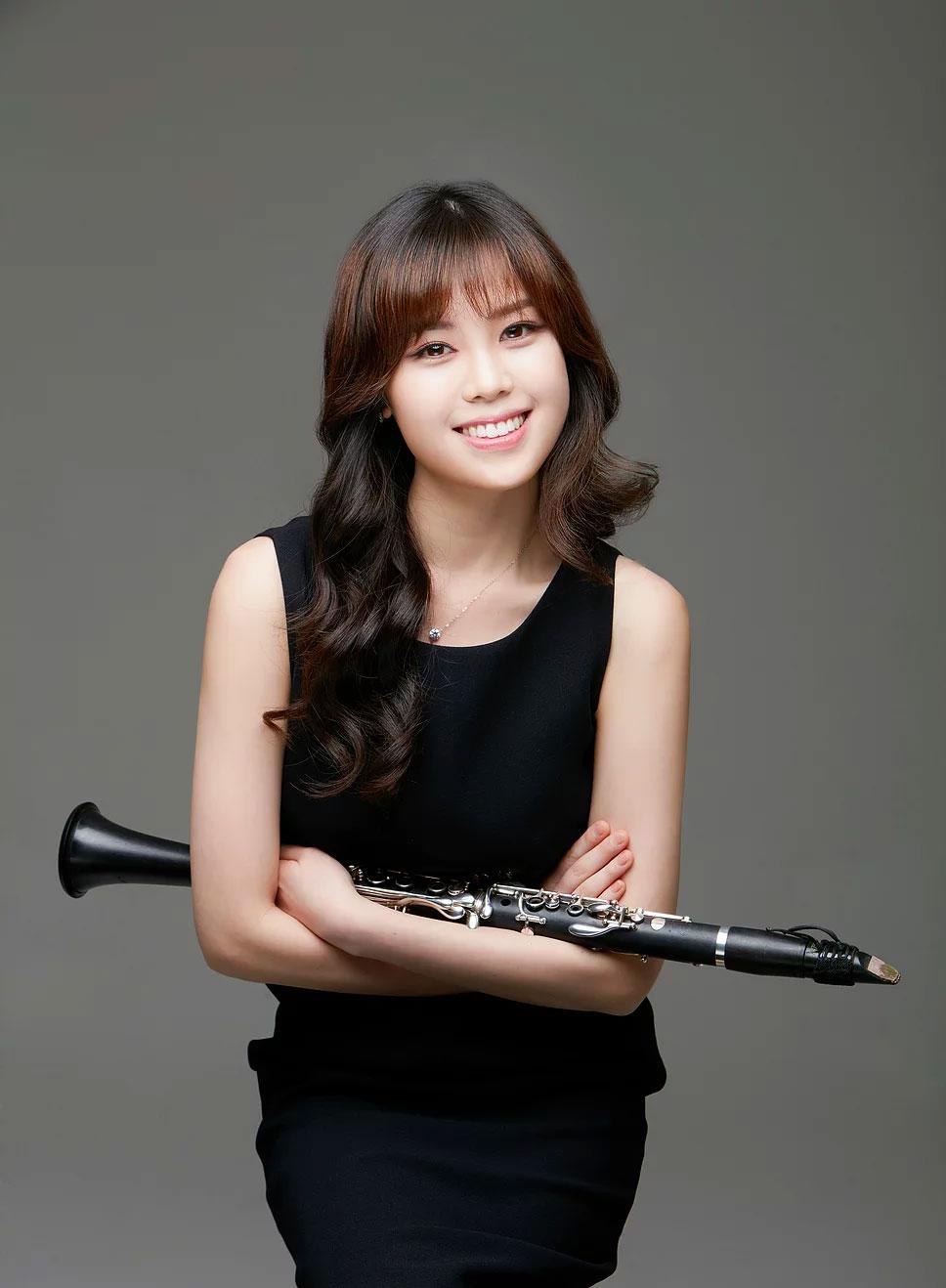 Kim Yoonah, clarinetist