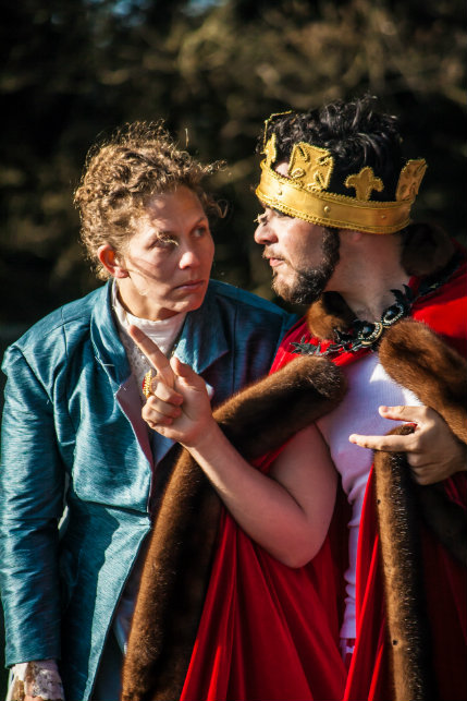 Ondine (Ava Roy) and the King (Nick Medina) immersed in a serious discussion about LOVE