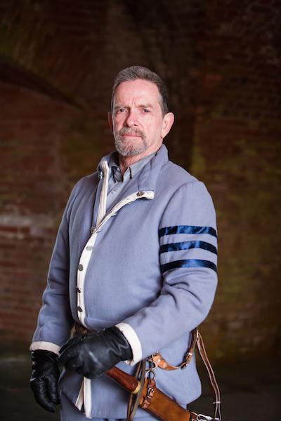 Dixon Phillips as Macduff