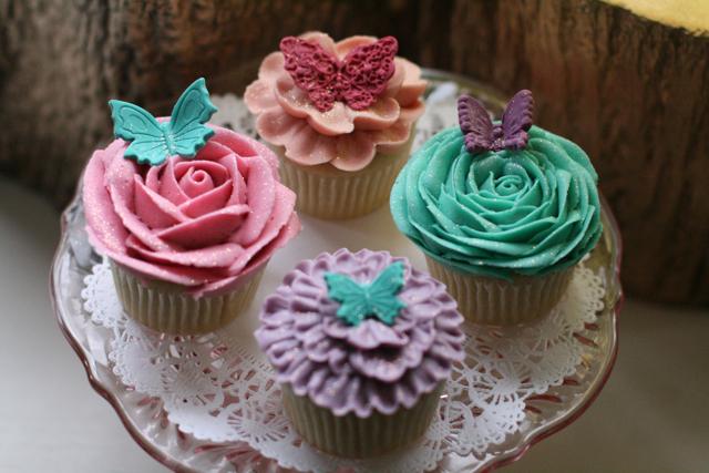 cupcakesfloral04.jpg
