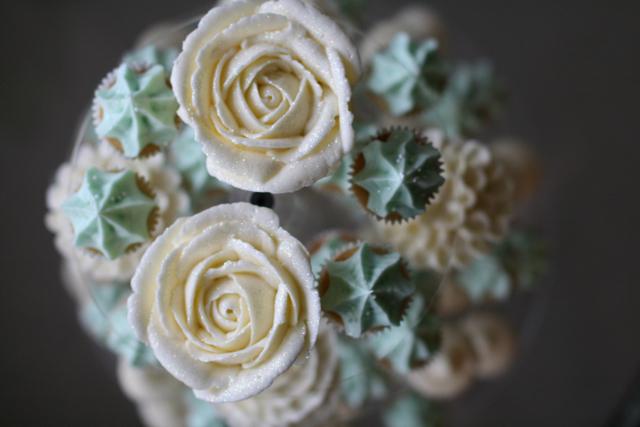 cupcakesfloral06.jpg