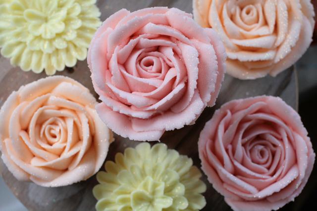 cupcakesfloral09.jpg