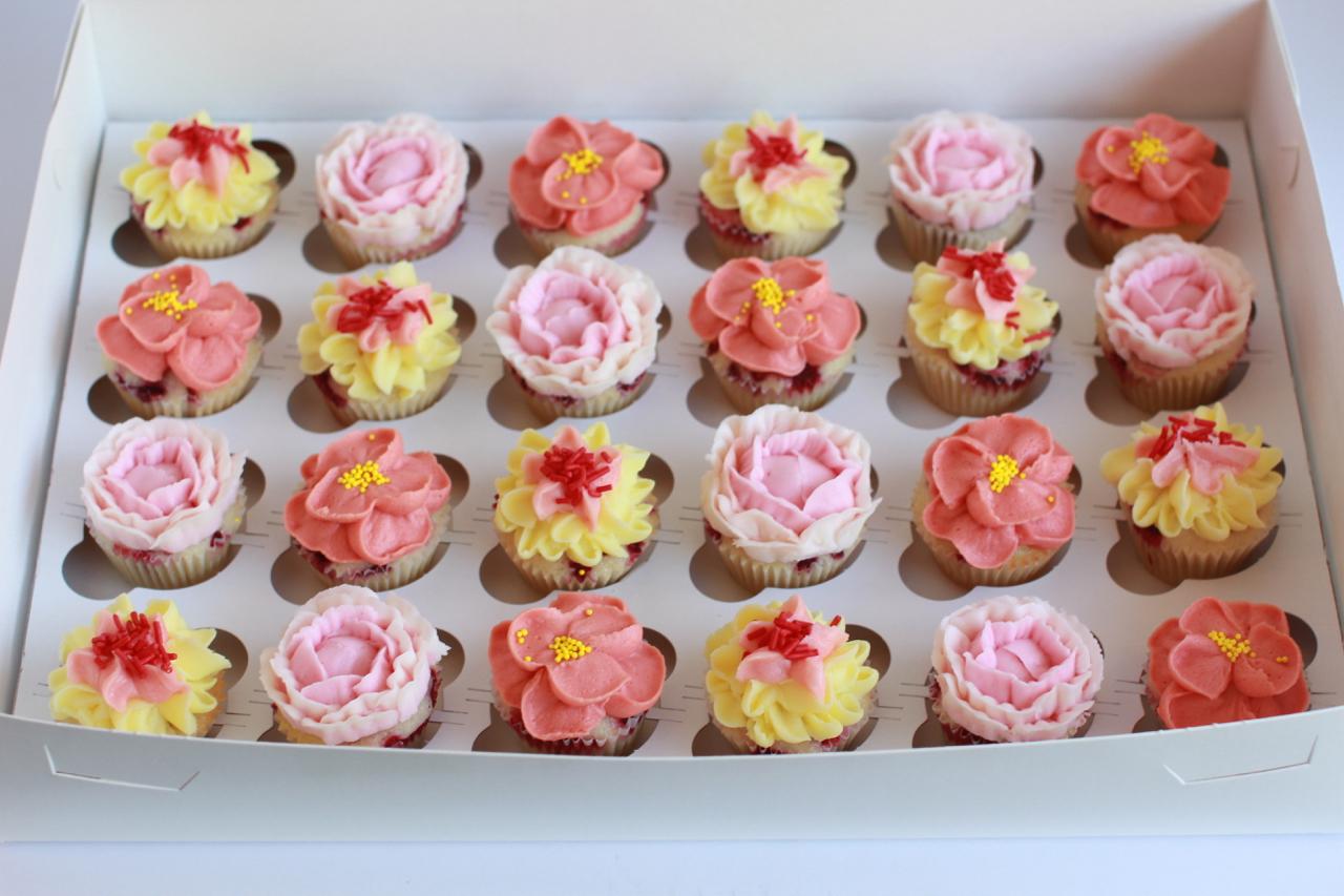 cupcakesfloral20.jpg