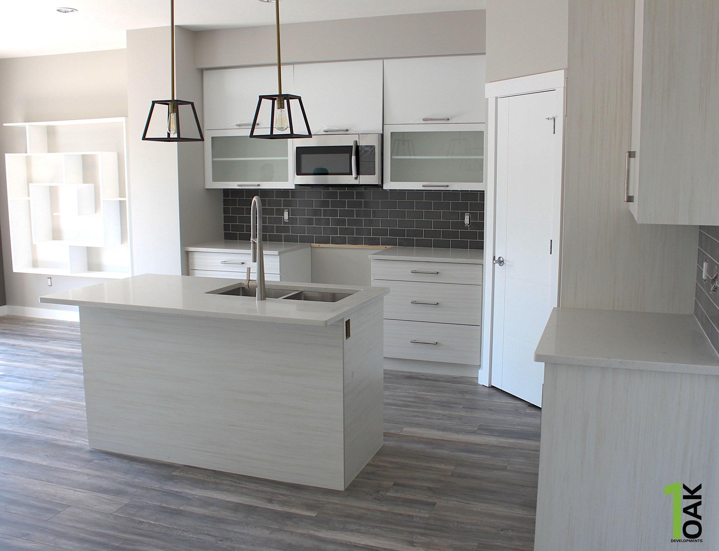 830 kitchen 1.jpg