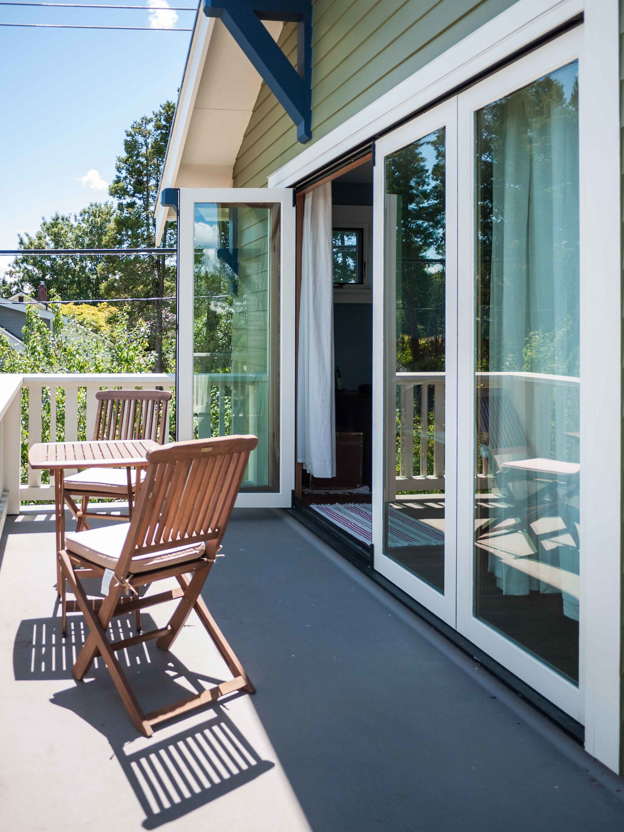 The second-story master suite opens to an eastern-facing deck with views of the Cascades.