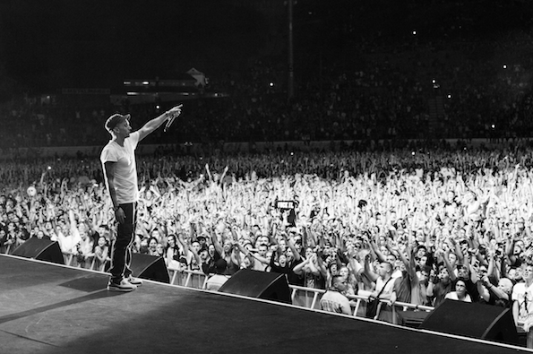 eminem-crowd.png