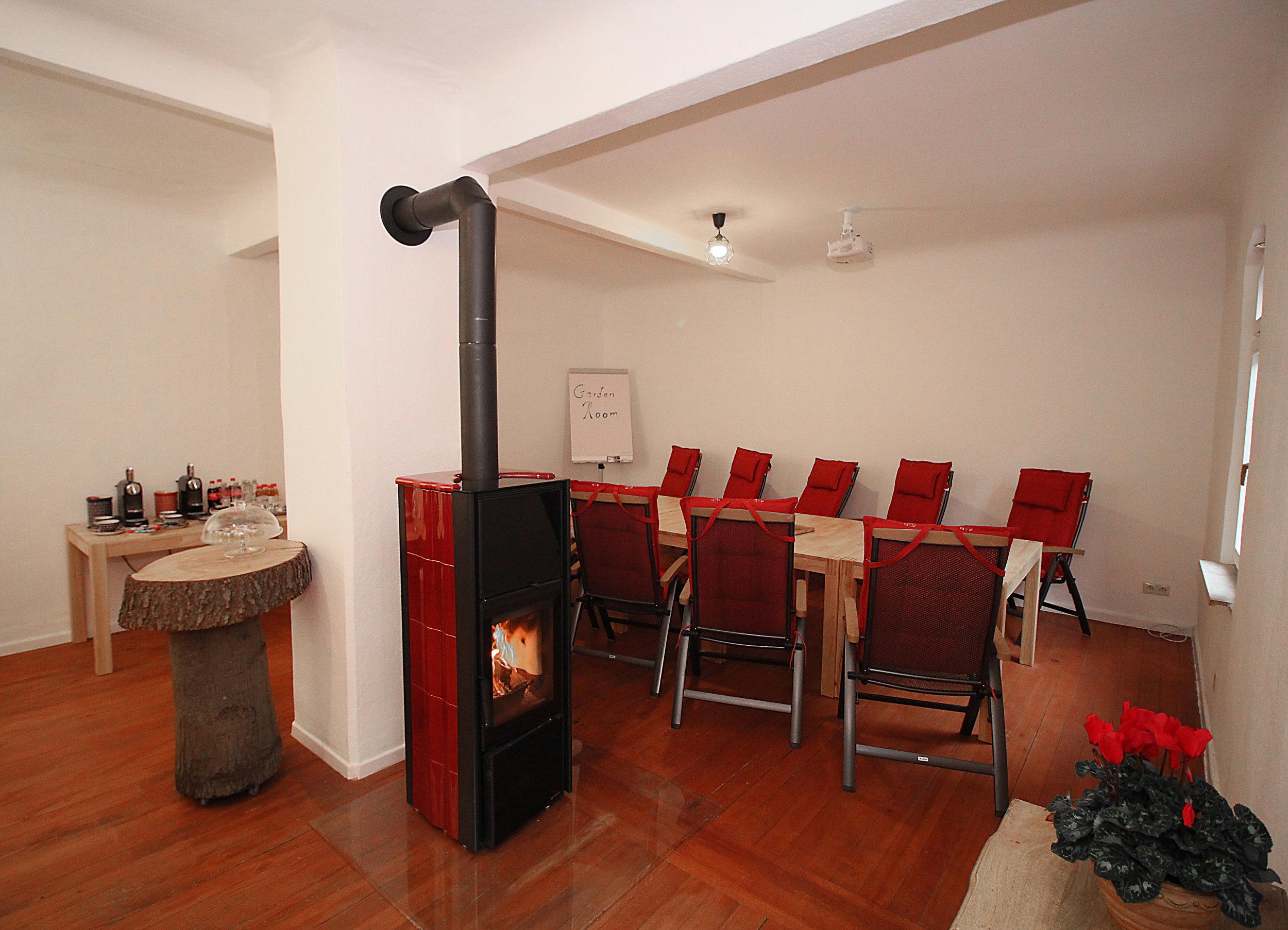 Garden Room - Raumgröße: 11 PersonenAusstattung: Beamer, Flipchart, Whiteboards, Internetzugang, Moderationskoffer