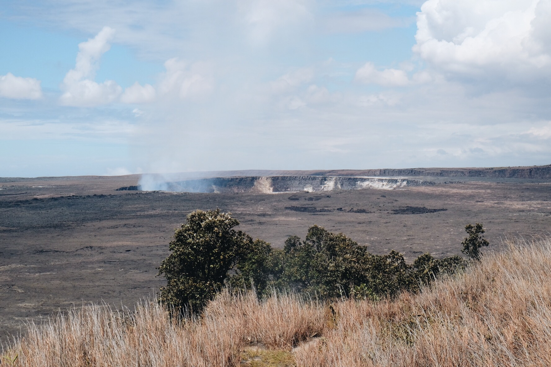 Crater Rim Trail /Hawai'i Volcanoes National Park