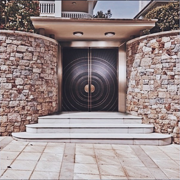 This week on the blog we are highlighting our client @remodoors! Check out the blog now!