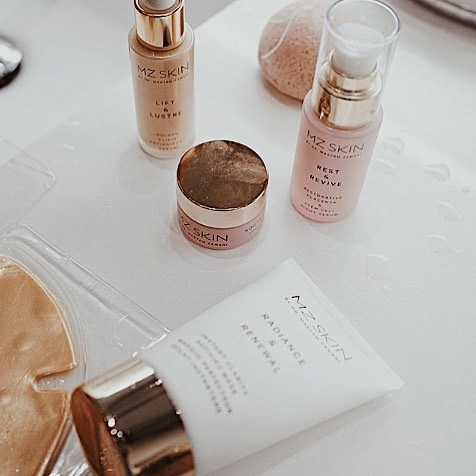 We love using @mzskinofficial to get that summertime glow ✨