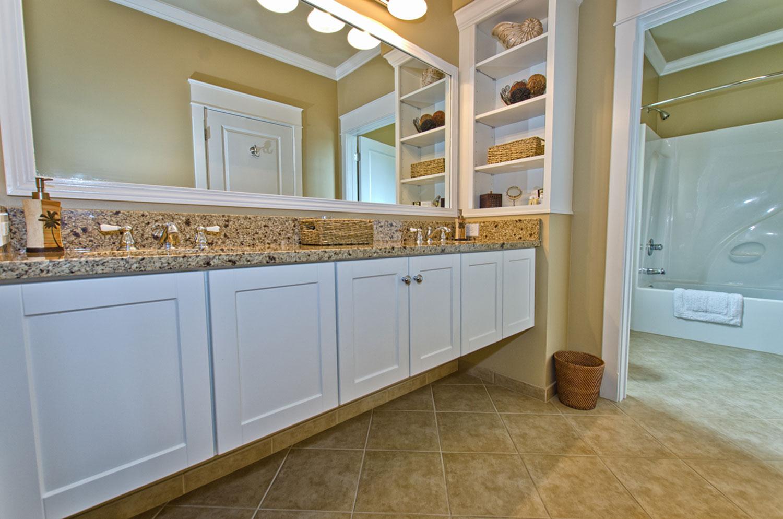 Beaufort-Bathroom1.jpg