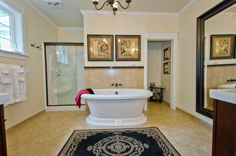 Charlottesville-Bathroom1.jpg