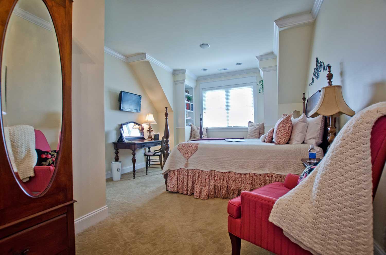 Natchez-Bedroom1.jpg
