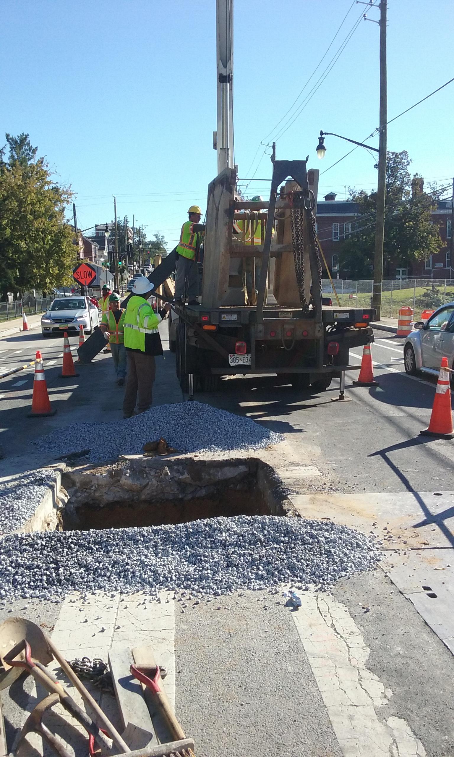 Manhole installation at 9th & Monroe