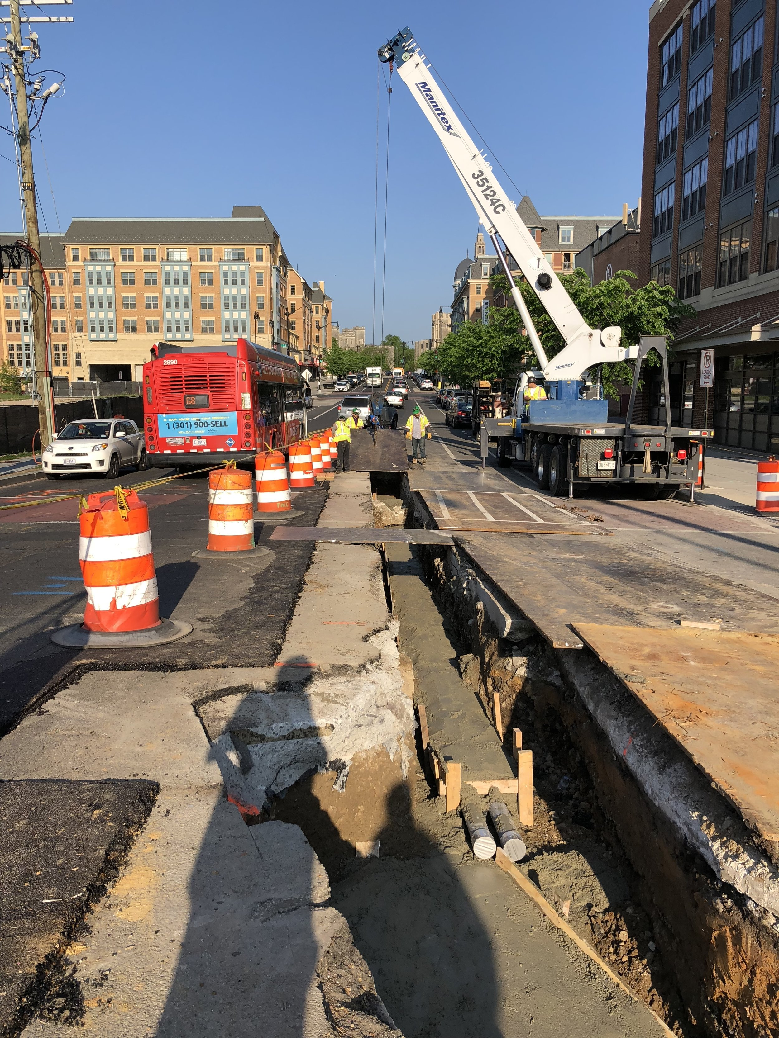 Traffic restoration - steel plates over trenches