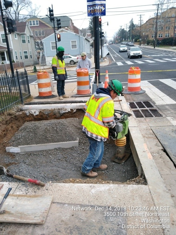 Street Light Manhole Installation (10th & Monroe)