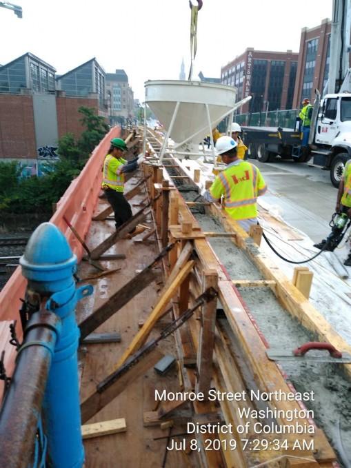 Phase 2: Bridge parapet concrete placement