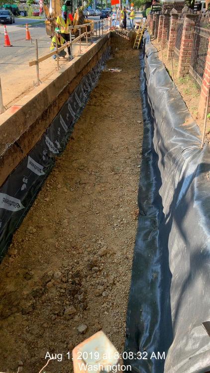 Bioretention trench excavation, 8th St, Ph.2