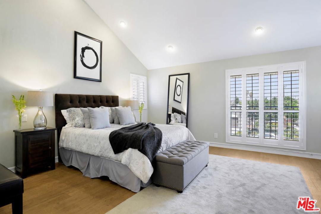 Aneta-bedroom.jpg