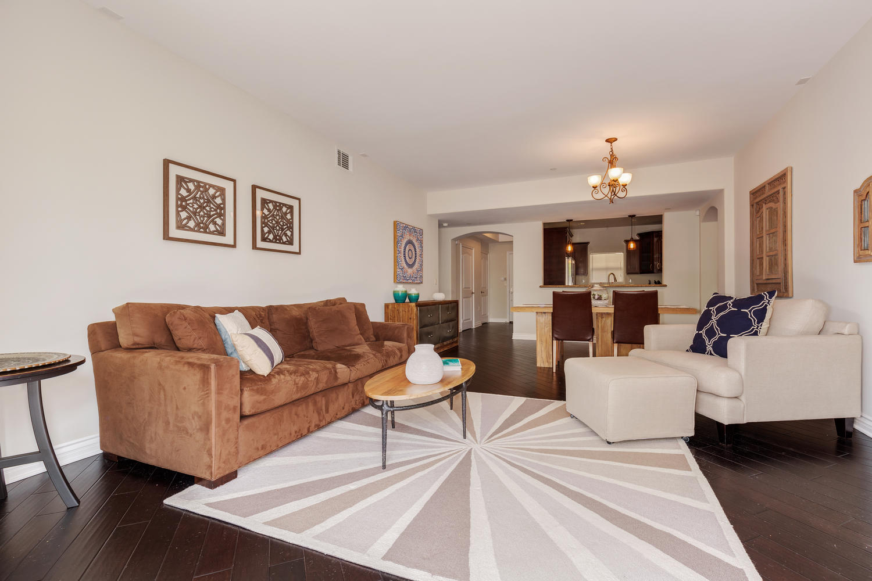 13200 Moorpark St Sherman Oaks-large-038-36-ThoTif0013bUpload07-1500x1000-72dpi.jpg