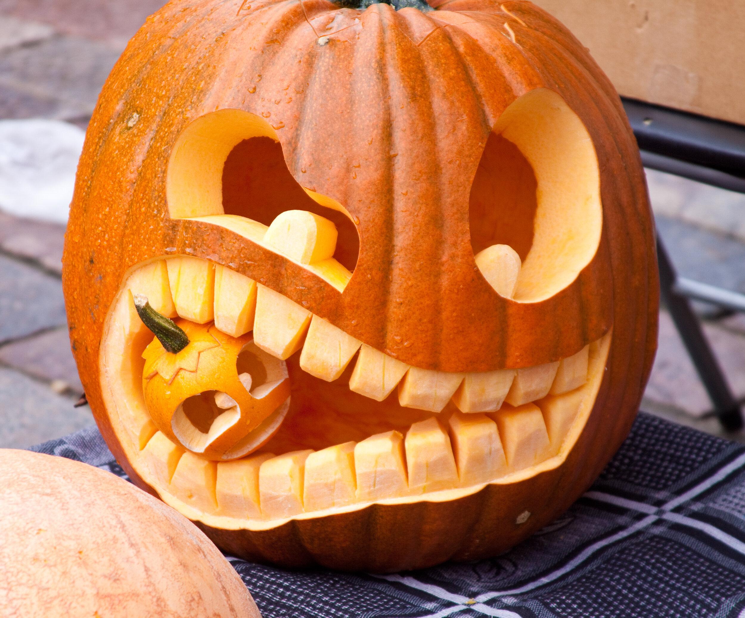 seasonal-team-building-pumpkin-carving.jpg