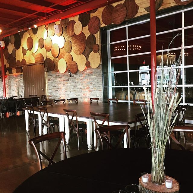 Yesterday's wedding at @badgerstatebrewing ... the perfect fall day! 🍁 Check out that head table 😍😍 We can't wait to see how the bride and groom decorated our tables!! #greenbaywedding #wisconsinbride #wisconsinweddings #vintagefarmhousetables