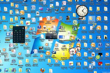 Messy Desktops are time wasters. Image Credit: About.com