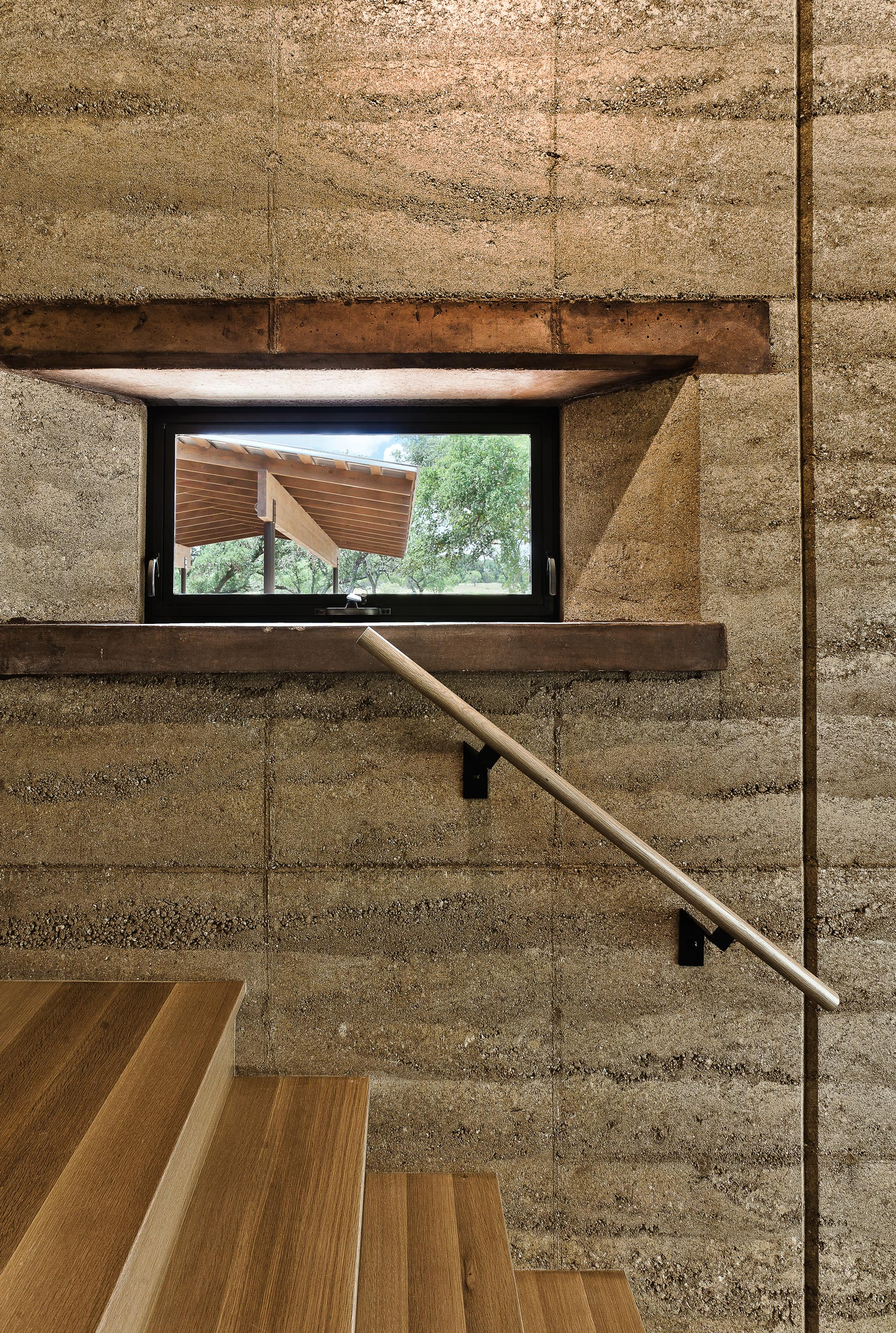 furman_keil_rammed_earth_ranch_2.jpg