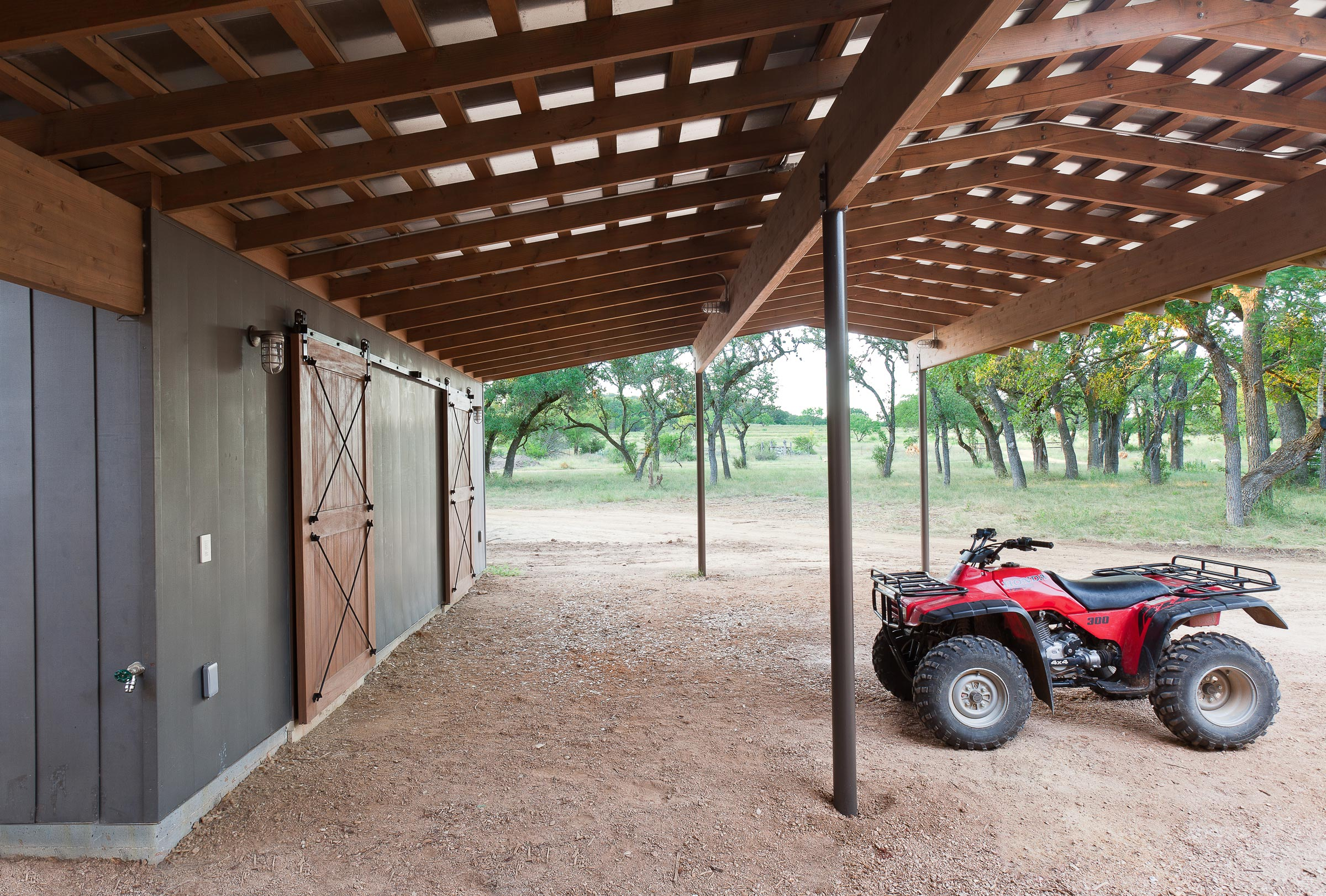 furman_keil_rammed_earth_ranch_4.jpg