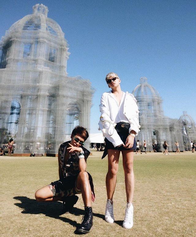 how did I not post my last #coachella outfit? -- DAY THREE  #BONVOUSYAGE Coachella • • • • • • #photooftheday #minimalist #minimalism #minimal #style #mensstyle #fashion #mensfashion #ootd #ootdmen #look #blogger #fblogger #fashionblogger #travel #california