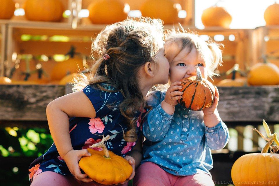 Gordon-Skagit-Farms-Mount-Vernon-Washington-Family-Session-Bella-Vita-Creative_0002.jpg