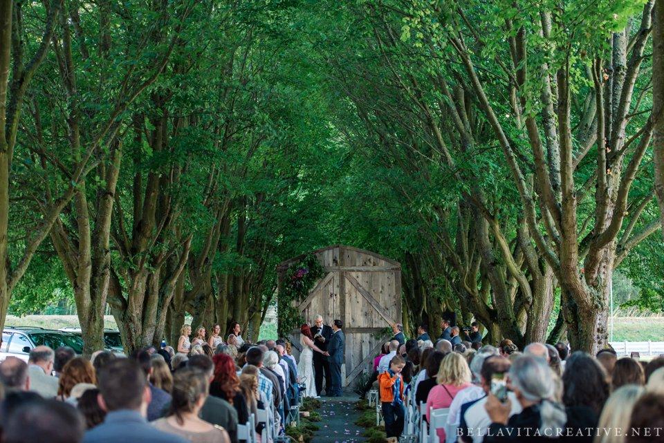 Maplehurst-Farm-Mt-Vernon-Wedding-Bella-Vita-Creative_0001.jpg